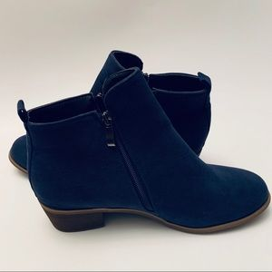 Shoes - 🌀 ADORABLE BLUE SUEDE ANKLE BOOTS 🌀
